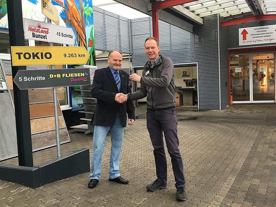 Gewinnerübergabe Hausmesse HolzLand Bunzel 2018