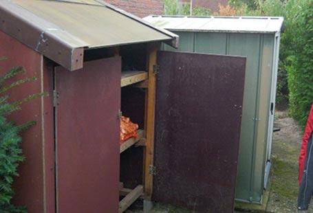 Referenzen Außen Gartenhaus vor Renovierung von HolzLand Bunzel in Marl und Hamm