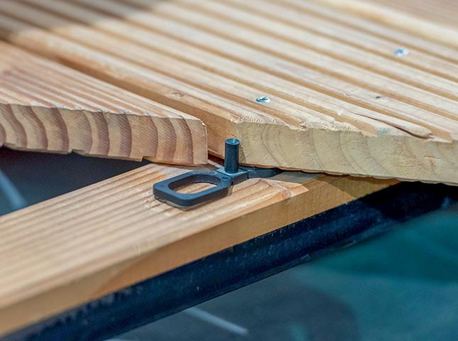 Befestigungsclip zum Terrasse bauen bei HolzLand Bunzel