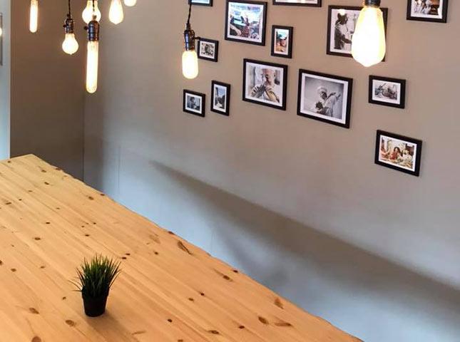 Natürlicher Baumkantentisch | Referenzen | HolzLand Bunzel in Marl und Hamm
