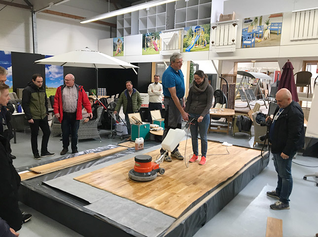 Rückblick zum DIY-Bödenseminar | Böden reinigen | HolzLand Bunzel in Marl