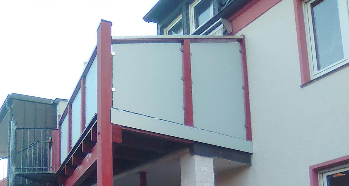 Balkonsanierung und Unterstand | Referenzen im Außenbereich | HolzLand Bunzel in Marl und Hamm