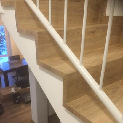 Treppenstufen mit Vinyl | Referenzen | HolzLand Bunzel in Marl und Hamm