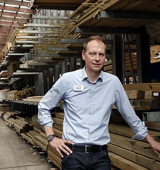 Die Politik zu Besuch | Geschäftsführer Peter Hönighaus | HolzLand Bunzel in Marl