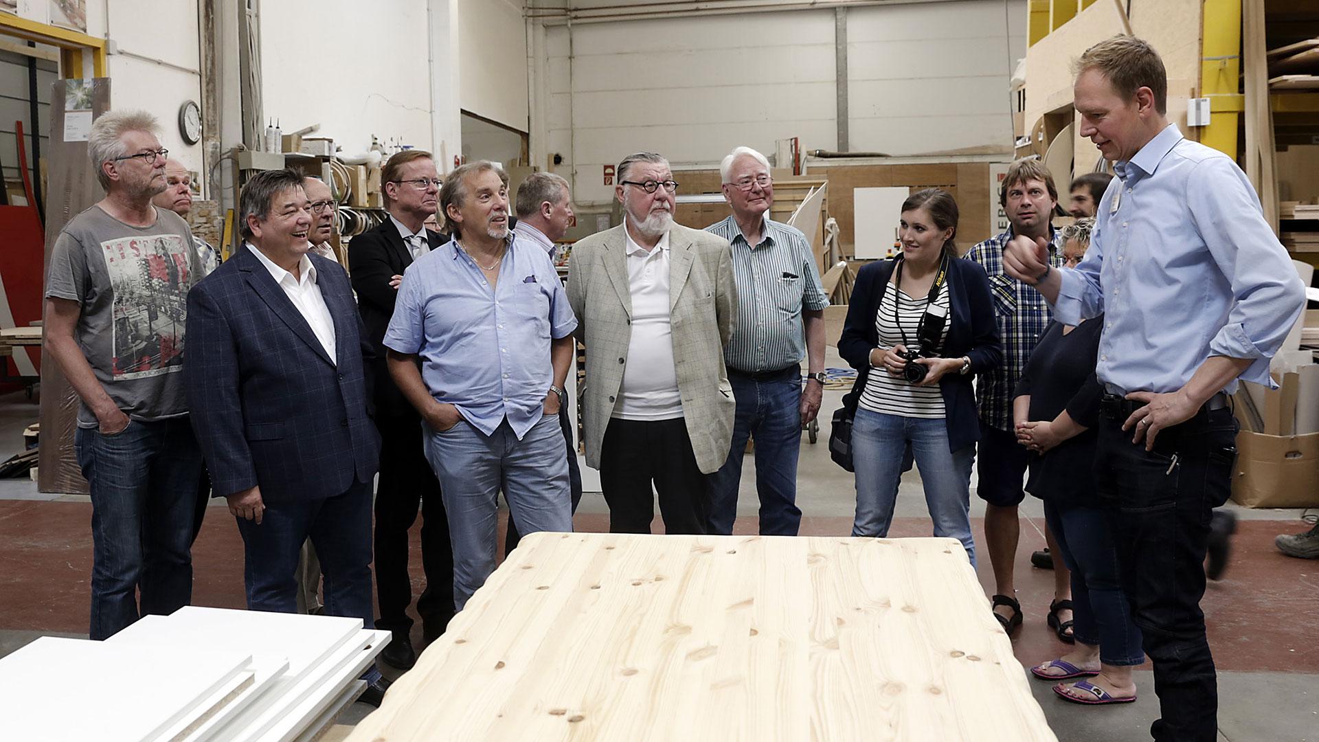 Die Politik zu Besuch | HolzLand Bunzel in Marl