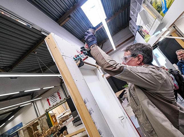 DIY-Innentürenseminar 2019 | Profi-Tipp: Ausschäumen | HolzLand Bunzel in Marl