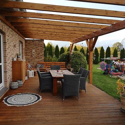 Geschützte Terrasse mit Überdachung | Holzland Bunzel in Marl und Hamm