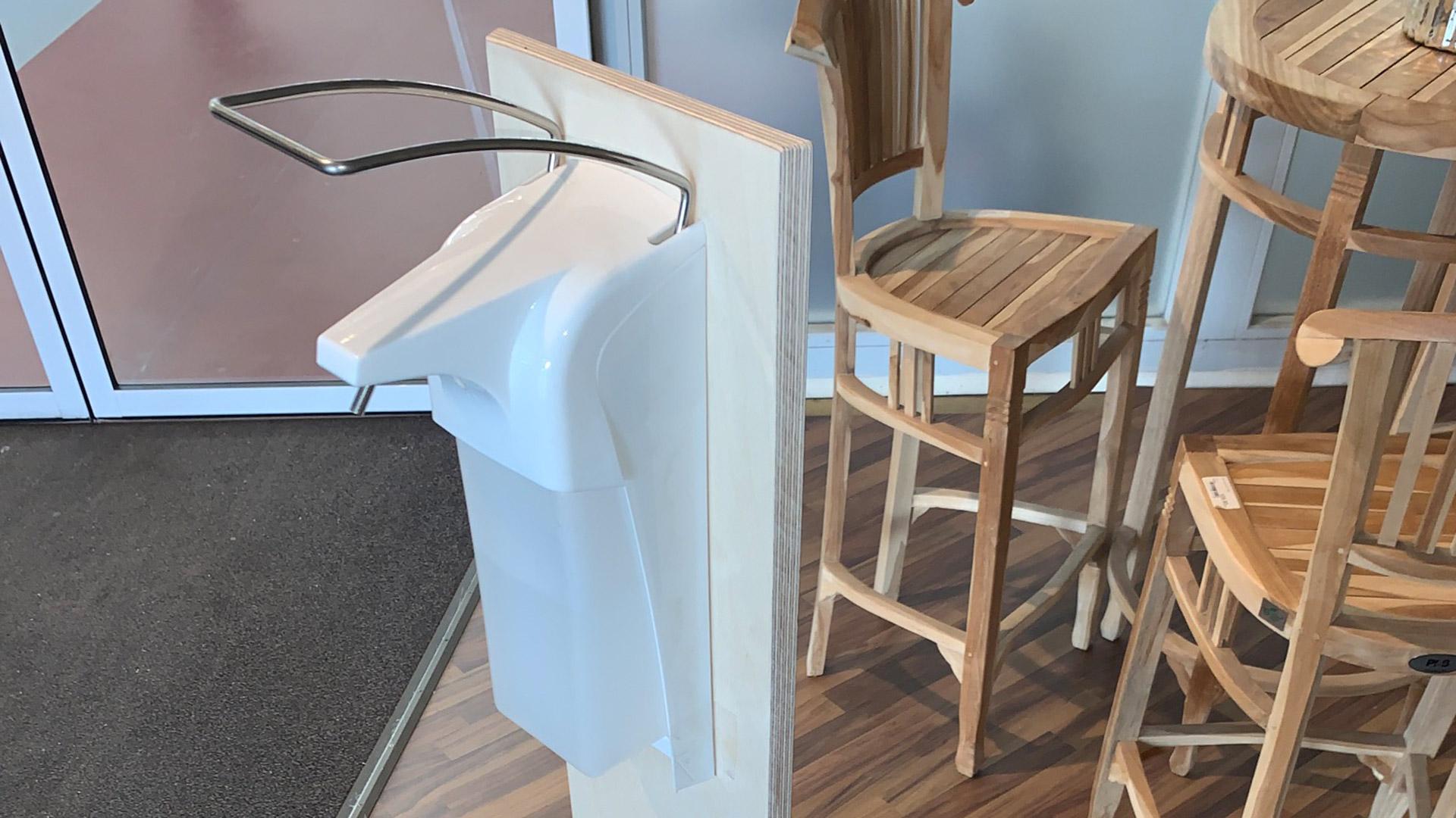 Handgefertigte Desinfektionsspender und Plexiglasscheiben | HolzLand Bunzel in Marl und Hamm